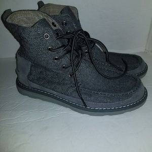 Toms boots size 8 1/2
